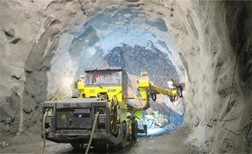 中国一超级工程:在黄河底凿出两个大洞!2千万人点赞