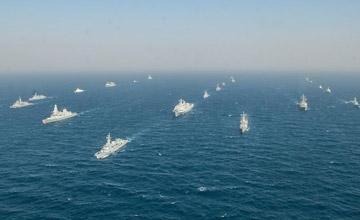 """巴多国海上演习 美英驱逐舰""""簇拥""""中国军舰"""