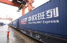2019年农历新年 中国首班中欧班列从西安港始发