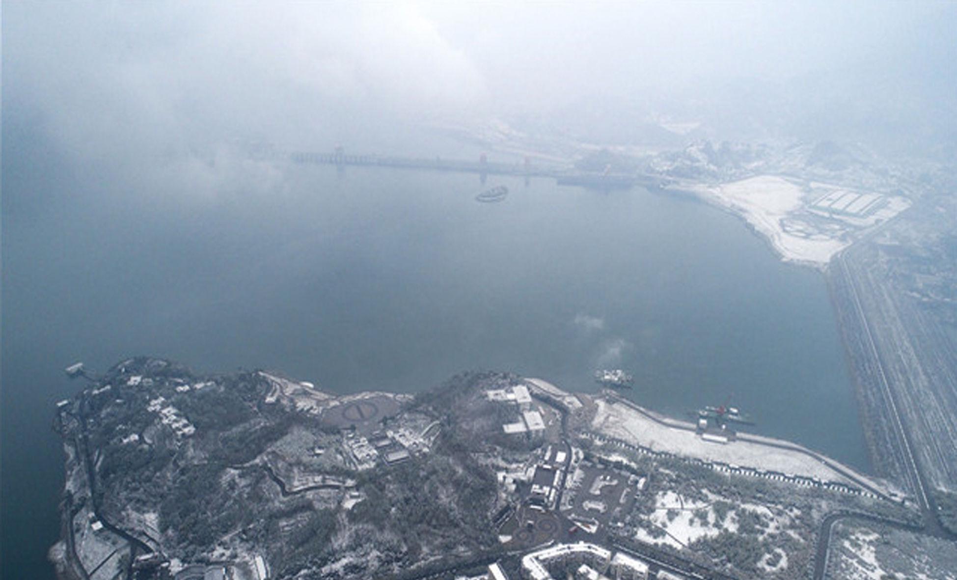 雪落三峡 分外娇娆