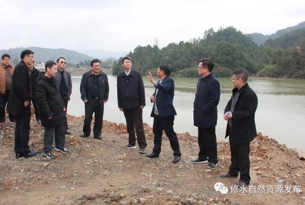江西省自然资源部主任张圣泽在修水调研地灾防