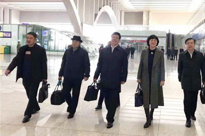 河北省出席十三届全国人大二次会议的代表赴京