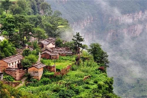 2017年7月28日,石板岩镇入选为第二批中国特色小镇名单.