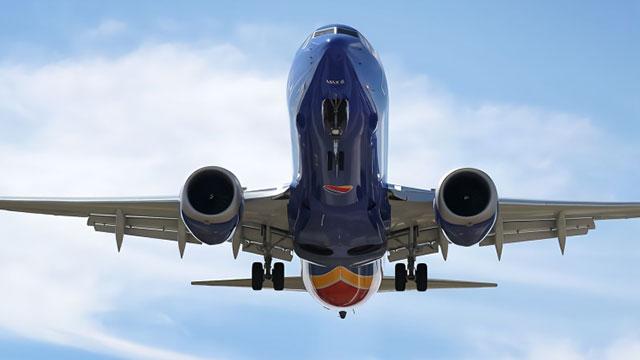 又双叒出事!波音737MAX因故障紧急迫降
