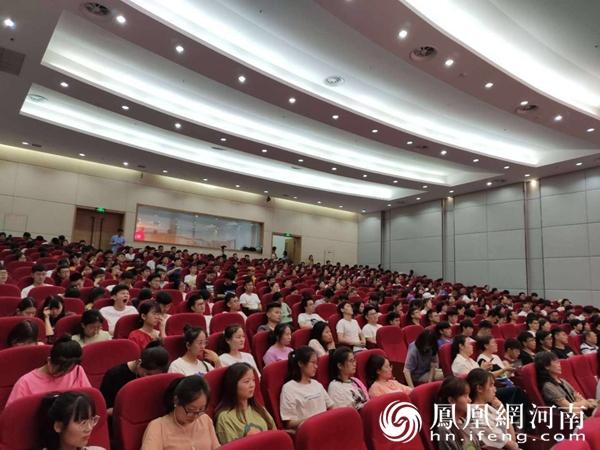 高雅艺术进校园 河南省演讲与口才学会艺术团走进郑州航院