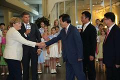 默克尔总理亲临华晨宝马 见证双方合作成果