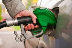 油价将两连跌 预计幅度每吨150-205元