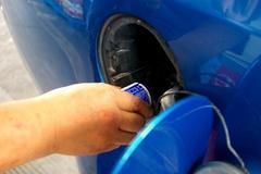 加了燃油宝更耗油还伤车 真的这样吗?