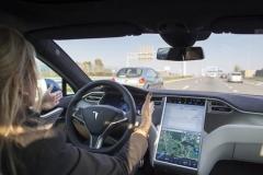 """德国政府禁止特斯拉使用""""自动驾驶"""""""