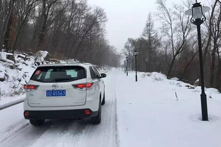 冰天雪地,四驱SUV怎么玩?