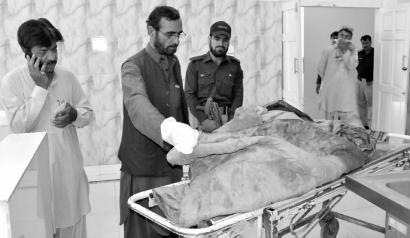 塔利班头目曼苏尔死于空袭