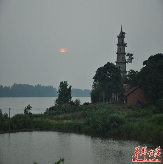 中洲乡宝塔湖.记者 张梅