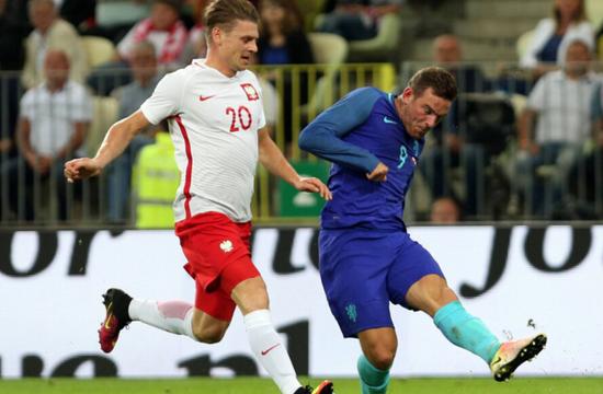 热身赛 扬森头槌纽卡大将制胜 荷兰客场2 1波兰