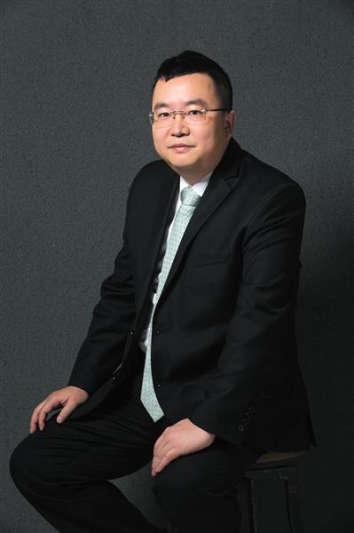 设计师_凤凰资讯图片