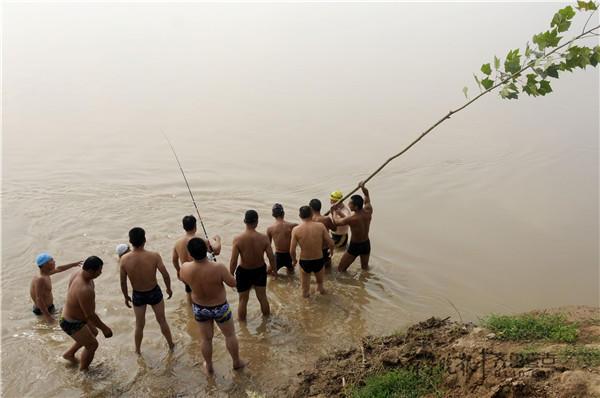 菏泽两14岁少年黄河洗澡溺亡,仍有一具尸体未找到_监听门