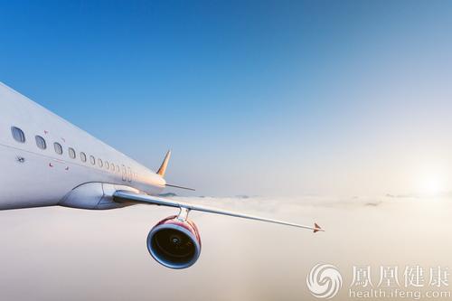 85岁老人飞机上死亡 家属指国航延误救治