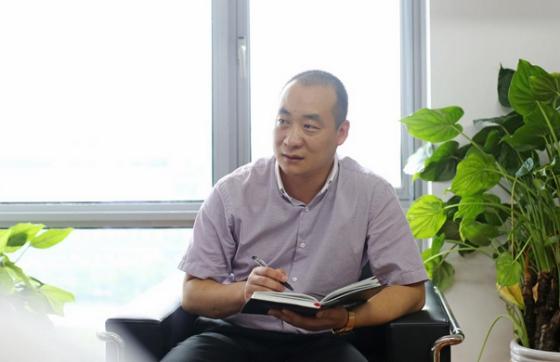 (南京东郊科技集团董事长 黄其伟先生)