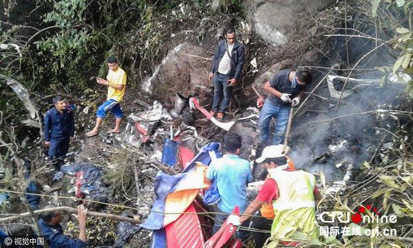 尼泊尔一直升机坠毁 机上7人全部遇难(组图)