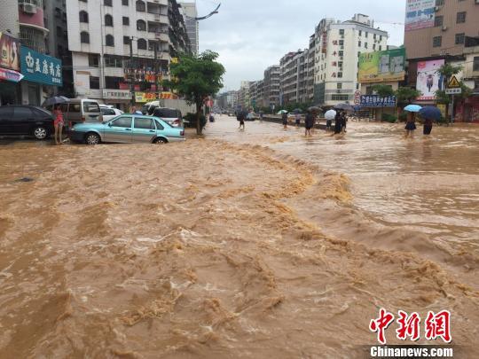 龙川县鹤市圩镇全景图片
