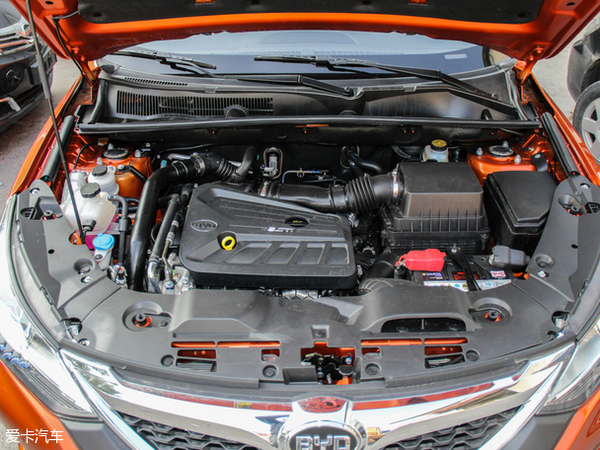 比亚迪宋搭载2.0l和1.5l两款涡轮增压发动机