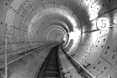 吕厝到sm城市广场区间已盾构成型的隧道.