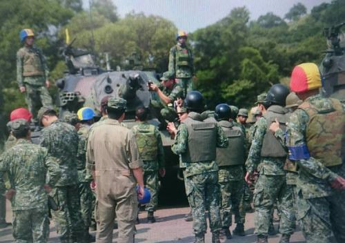 台陆军战车炮口爆炸:或因炮管弹性系数疲乏