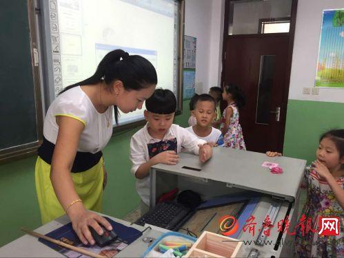 济南经十一路作文实拍第一天开学有对双胞胎小学军训小学500字图片