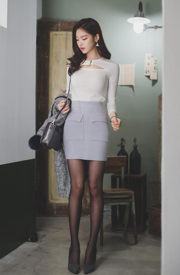 黑丝长腿知性美模私房诱惑_凤凰资讯