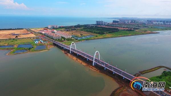 澄迈盈滨半岛海湾大桥正式通车[高清组图]