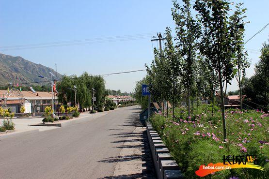 村庄干净整洁的道路.-建设美丽乡村 河北涿鹿四种模式创新农村垃圾