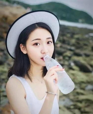 四川大学校花大秀一字马,清纯可爱,萌系小仙女!
