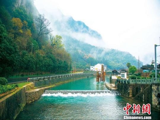 乡村风景青山绿水图片