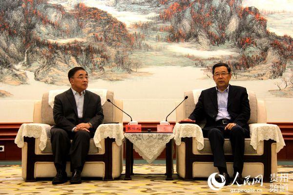 图为贵州省省长孙志刚会见中国工程院院士张伯礼一行。王钦 摄