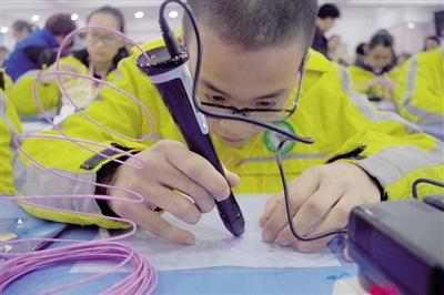 滚动新闻  原标题:3d打印笔走进学生美术课堂 本报讯 (记者 董娟 实习