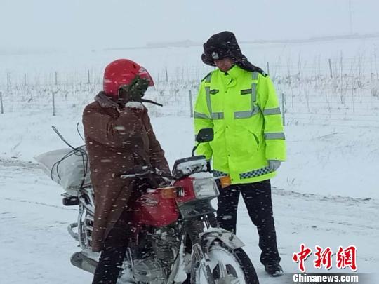 psx本地太慢-为切实加强冰雪恶劣天气道路交通安全管理,哈巴河县公安局紧急启动