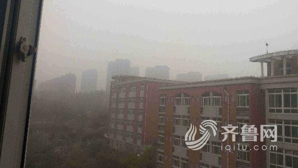 图为今日下午山东建筑大学的景象.(看山东发 姜海静 摄)-济南发布图片