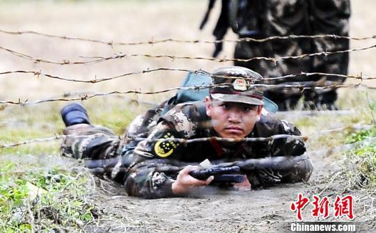 直击武警水电部队新兵训练图片