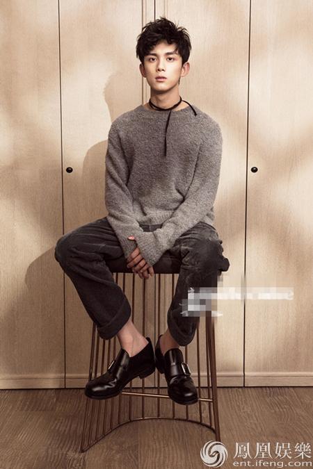 吴磊登杂志idol开篇封面 完美演绎男神初长成