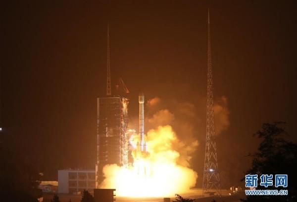 我国成功发射风云四号气象卫星