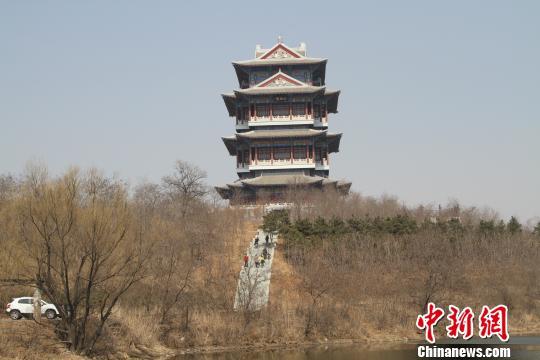 法库辽文化标志性建筑白鹤楼(资料图) 沈殿成 摄