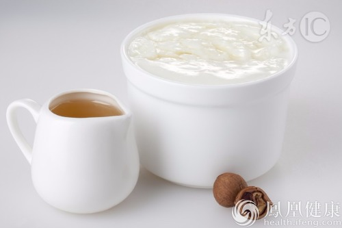 男性常喝酸奶可起到助性作用