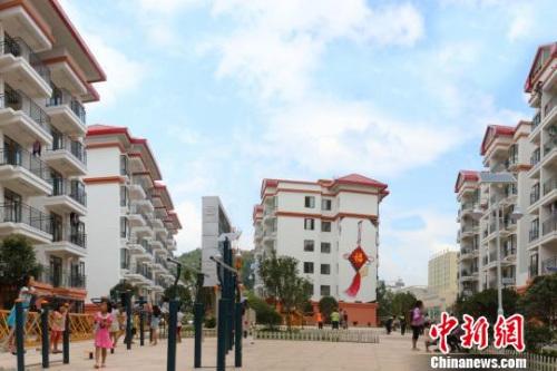 资料图:贵州惠水县经济开发区易地扶贫安置点 钟欣 摄