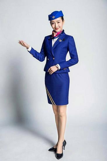 空姐标准_王鸥的整体仪态十分标准,笑容亲切,十足的空姐模样