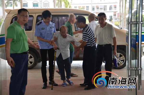 犯罪嫌疑人褚某清投案自首。屯昌县人民检察院供图
