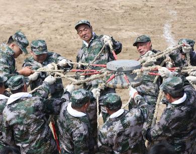 河南武陟:黄河防汛演练保安澜