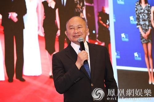 吴宇森71岁生日成龙送惊喜 40年老友期待再合作
