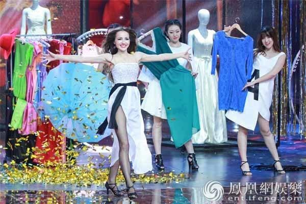 《超凡魔术师》俄罗斯美女魔术师献电视首秀