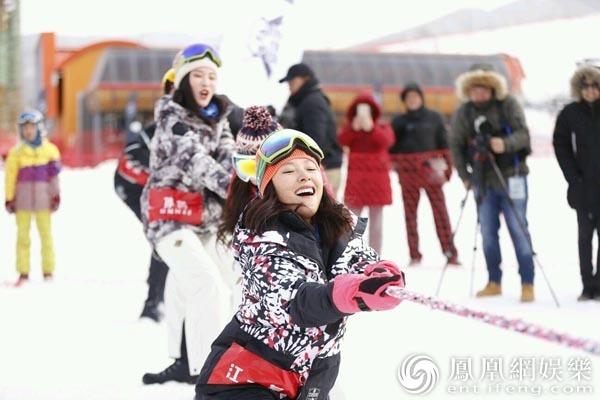 超级滑雪季明星赛举行 江一燕沙宝亮领队PK