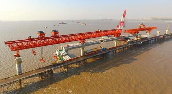鱼山大桥第四套架桥机拼装完成