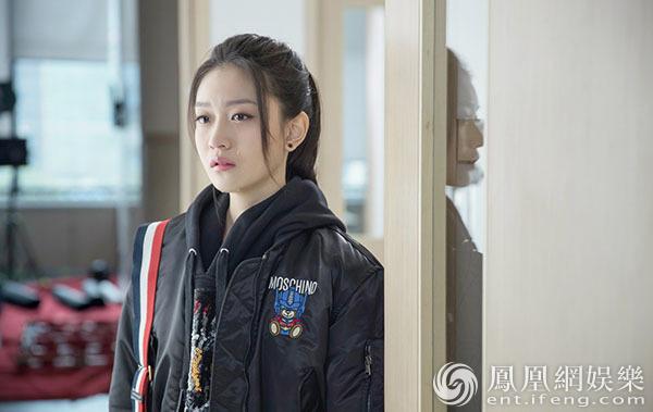 《陪读妈妈》首曝剧照 演员水晶本色出演狂飙英文
